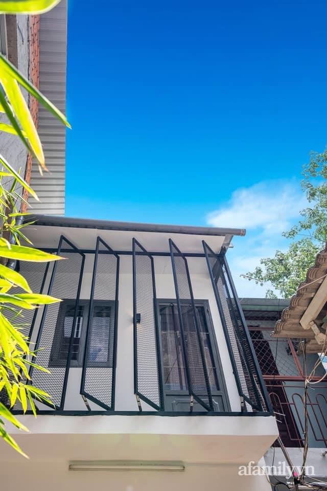 Khó tin: Ngôi nhà chỉ 17m² nhưng đầy đủ chức năng, đẹp ấn tượng dành cho vợ chồng trẻ ở Sài Gòn - Ảnh 1