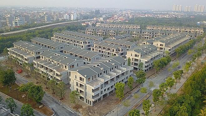 """Hàng trăm căn nhà ở liền kề, biệt thự được xây """"chui"""" nhưng công khai bán rầm rộ (Ảnh: Báo Xây dựng)"""