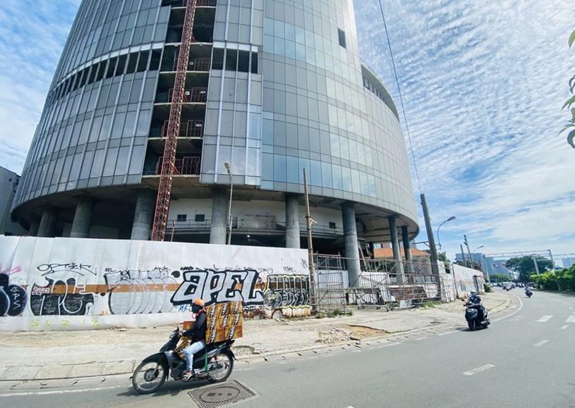 Cận cảnh cao ốc 'đắp chiếu', làm xấu bộ mặt trung tâm Sài Gòn - Ảnh 6