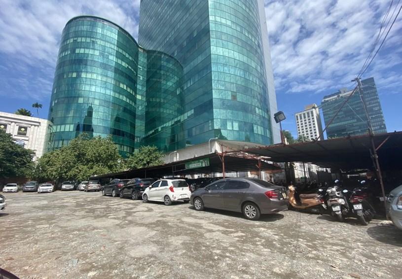 Cận cảnh cao ốc 'đắp chiếu', làm xấu bộ mặt trung tâm Sài Gòn - Ảnh 16