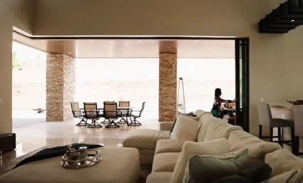 Ngôi nhà được xây dựng hoành tráng, chăm chút đến từng chi tiết như resort.