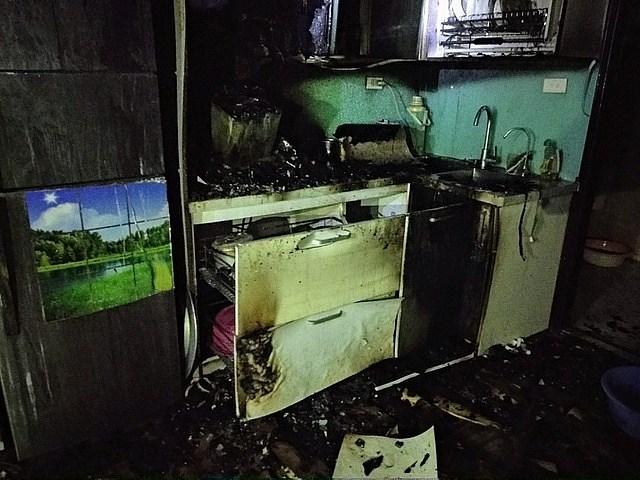 Vụ cháy không thiệt hại về người nhưng đồ đạc hỏng hết cũng quá tội. Ảnh minh họa