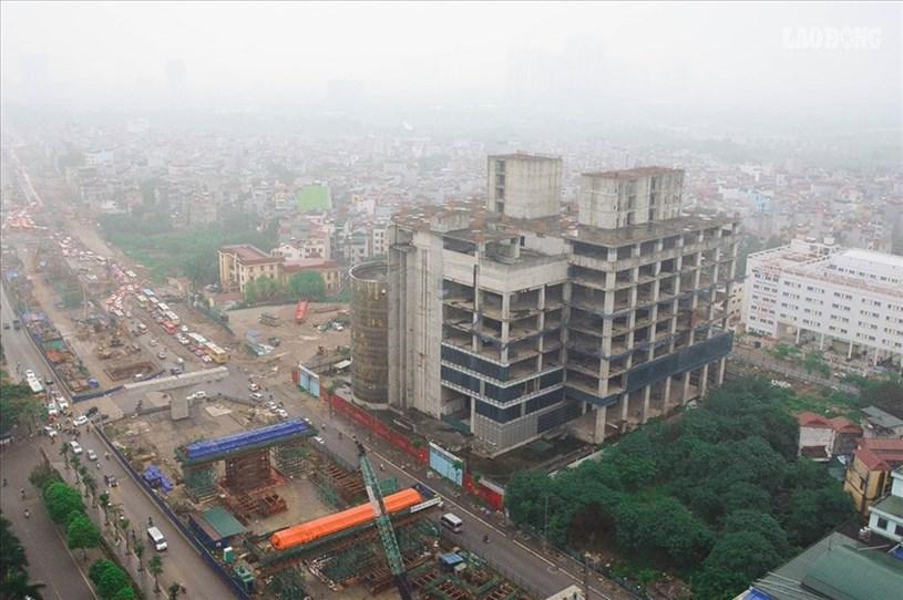 Dự án Habico Tower thực hiện từ năm 2008, chủ đầu tư công ty cổ phần Hải Bình (Habico) trên khu đất hơn 4.490m2 bên đường Phạm Văn Đồng, Hà Nội. Dự án có vốn đầu tư khoảng 220 triệu USD (hơn 5.000 tỉ đồng).