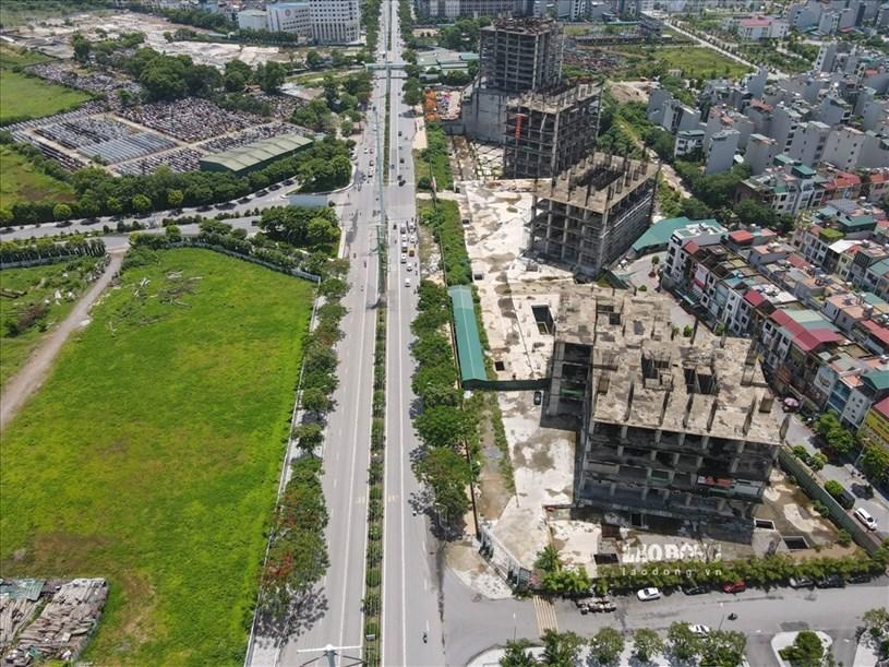 """Thời điểm ra mắt, dự án Usilk City từng được tung hô là """"thành phố trong mơ"""" với 13 tòa nhà cao 25 – 50 tầng, tổng mức đầu tư trên 10.000 tỉ đồng và dự kiến sẽ đưa ra thị trường 2.700 căn hộ hiện đại."""