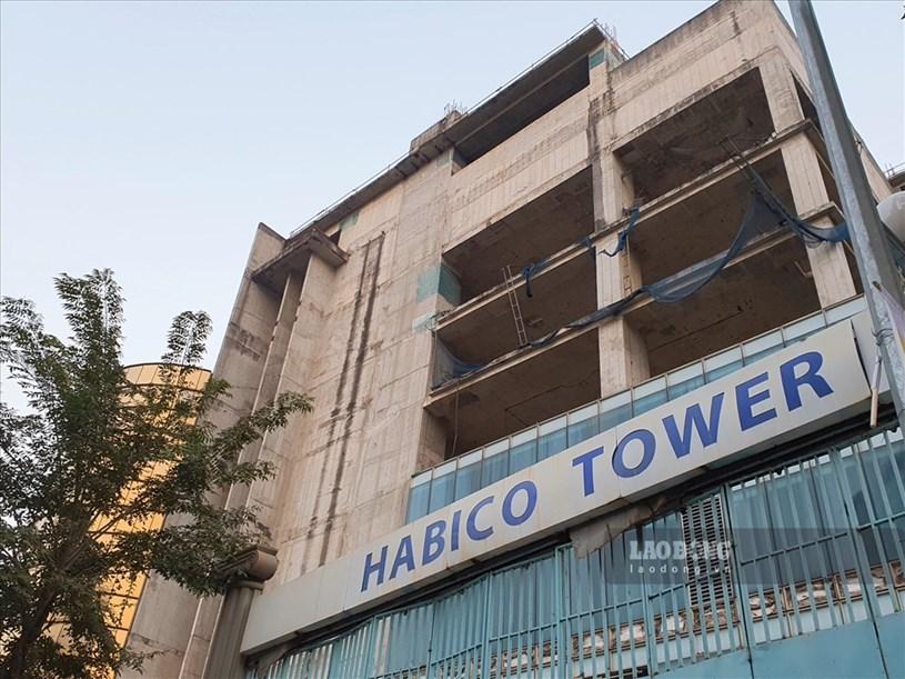 Thời điểm năm 2008, chủ đầu tư từng công bố giá căn hộ thấp nhất từ 21 tỉ đồng và cao nhất là 85 tỉ đồng, kỷ lục trong xây dựng bằng việc hoàn thành một tầng nhà chỉ trong vòng 7 ngày.