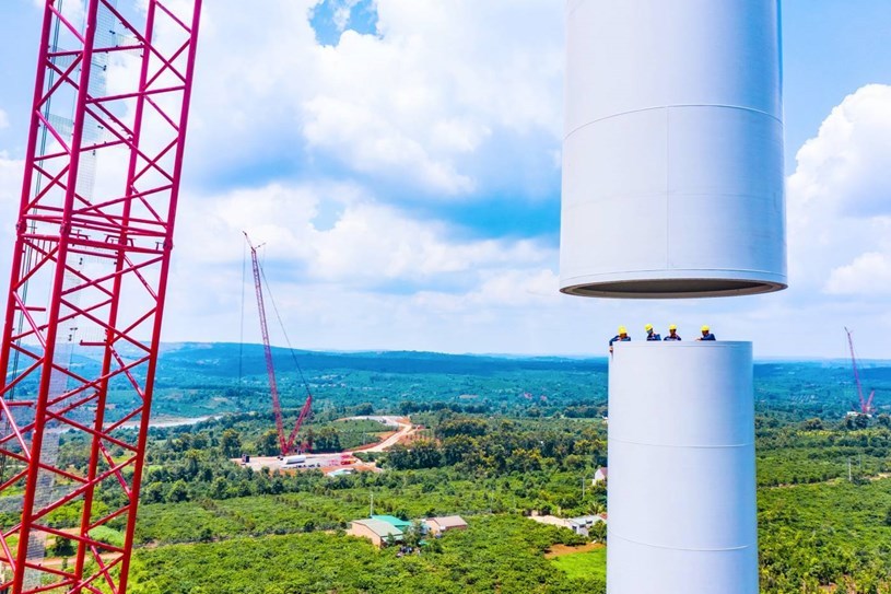 Nhà máy điện gió lớn nhất Việt Nam do Trung Nam Group đầu tư hiện đang có gì? - Ảnh 11