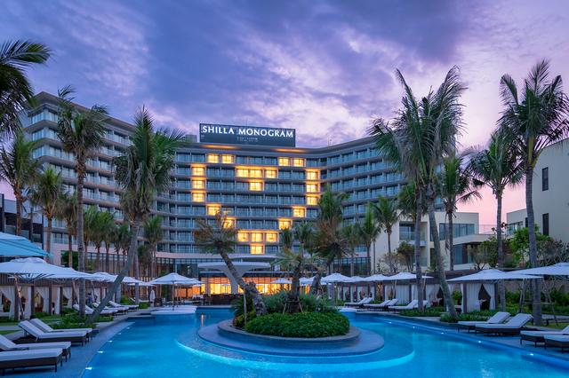 Khách sạn 5 sao ở Đà Nẵng gặp khó: Lần đầu chưa kịp khai trương thì Covid xuất hiện, vừa đón khách 1 tháng dịch lại bùng phát - Ảnh 1
