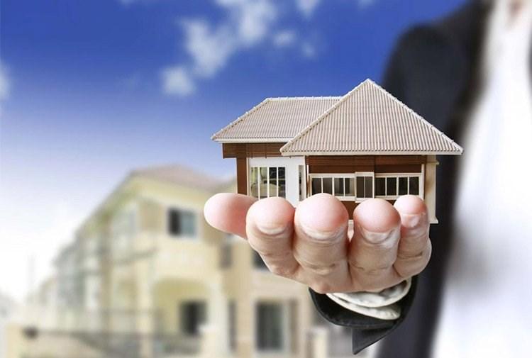 Trước khi bán nhà, bạn cần phải chuẩn bị căn nhà hoàn hảo nhất, dọn dẹp tân trang, sửa chữa mọi thứ cẩn thận