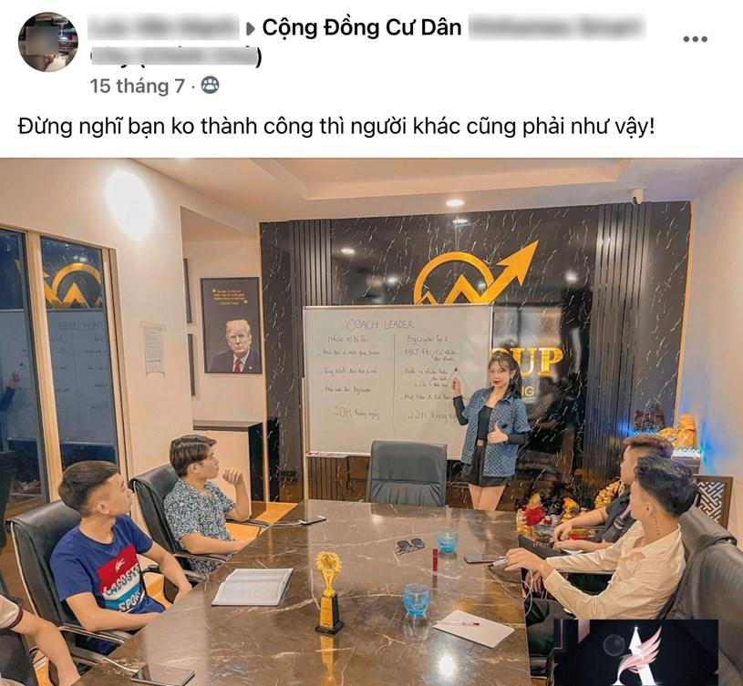"""Các bức ảnh """"chủ tịch"""" cũng được share vào nhóm cư dân để câu like."""
