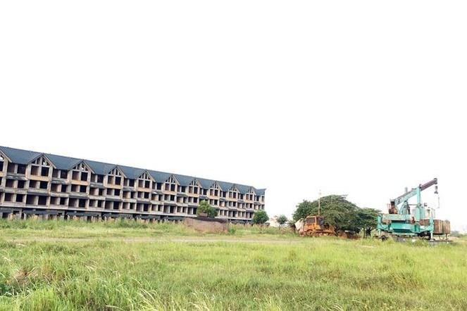 Dự án bỏ hoang ở Hà Nội: 'Có anh hết tiền, có anh thừa tiền nhưng vẫn ôm đất để đó!' - Ảnh 2