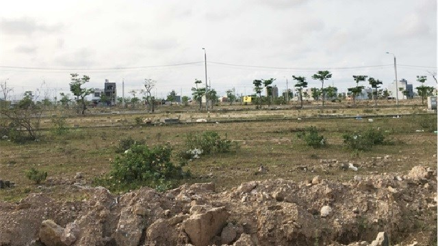 Đất nền khu đô thị Hòa Xuân (quận Cẩm Lệ) trước khi có dịch Covid-19 rao 4 tỉ đồng/lô thì hiện nay chỉ còn dao động 2,5-2,7 tỉ đồng/lô