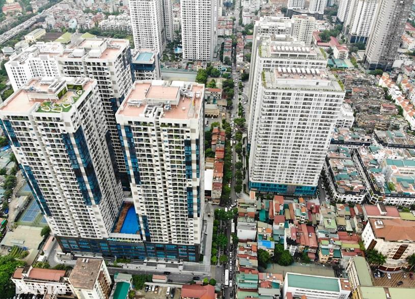 Nhìn từ trên cao, các dự án chung cư rất ít có không gian công cộng như: công viên, hồ điều hòa...