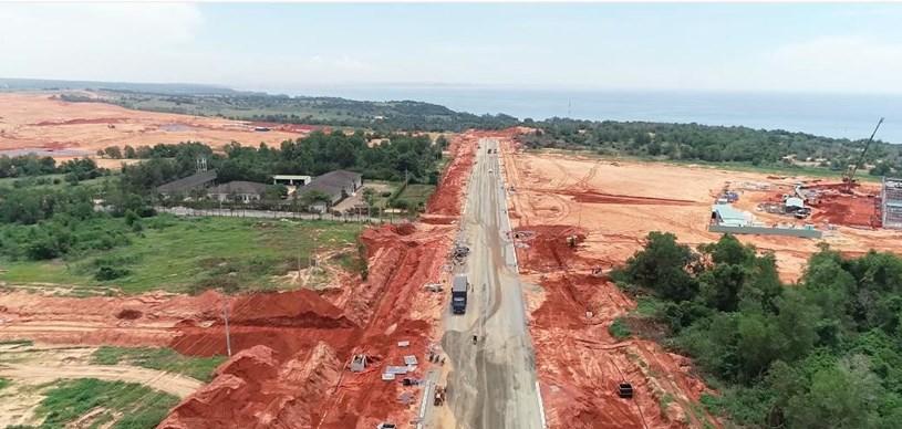 Quang cảnh trục chính đường Hòn Giồ của dự án đã hoàn thiện được 50%