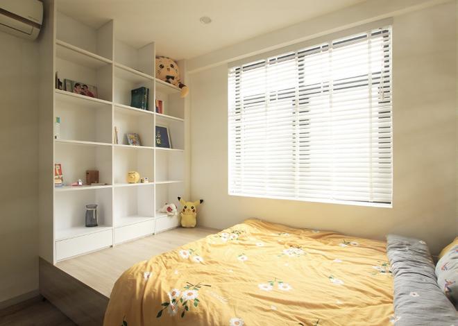 Giường đa năng được tích hợp ngăn kéo và cánh mở phần phía dưới giường để tăng diện tích sử dụng