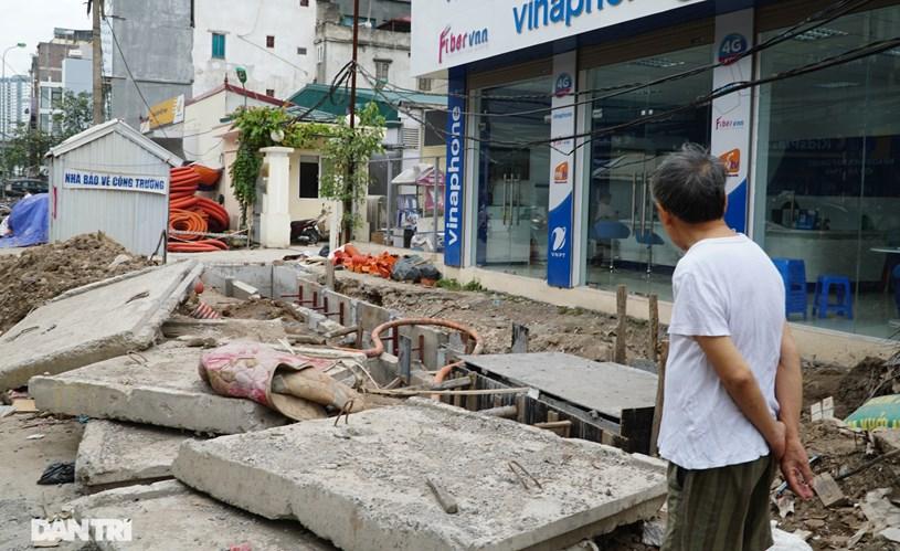 Hà Nội: Hơn 400 mét đường ì ạch thi công gần 3 năm chưa xong - Ảnh 1