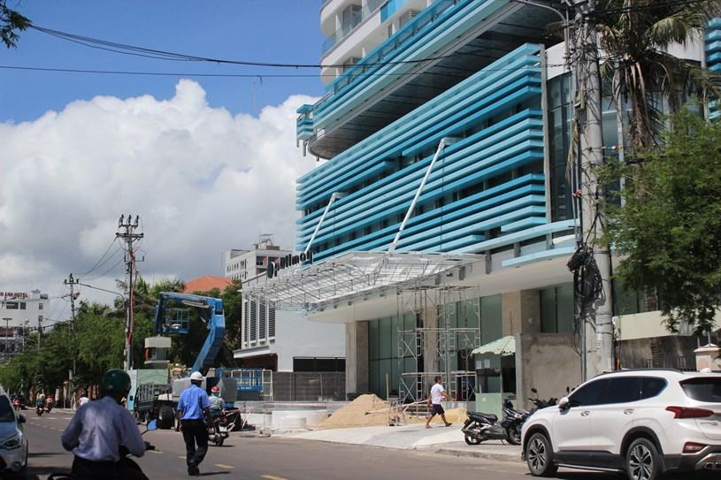 Cận cảnh tòa nhà cao nhất Bình Định sau nhiều lần được điều chỉnh qui hoạch - Ảnh 2