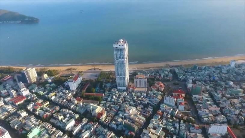 Cận cảnh tòa nhà cao nhất Bình Định sau nhiều lần được điều chỉnh qui hoạch - Ảnh 3