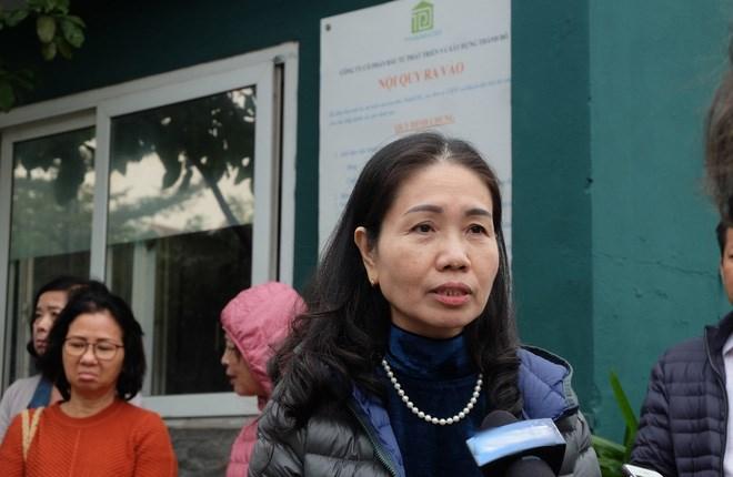 Đã đóng đủ 95% tiền mua căn hộ, song chị Hoàng Yến (trú tại Mỹ Đình, Hà Nội) chia sẻ, nhiều lần chủ đầu tư hứa bàn giao và làm sổ đỏ cho chị, nhưng đã 3 năm, chủ đầu tư Cocobay vẫn chưa thực hiện những cam kết này.