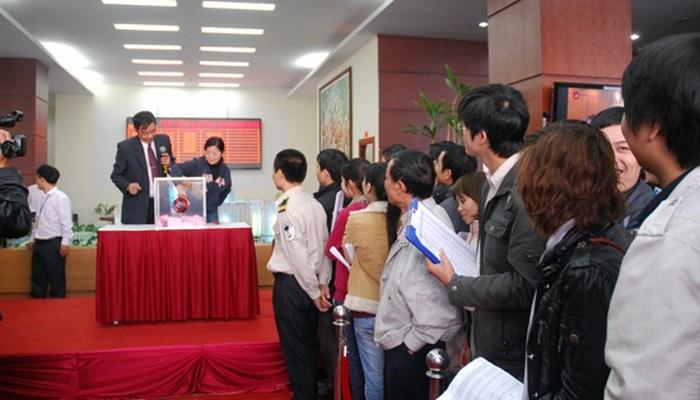 Một phiên bốc thăm căn hộLê Văn Lương Residentials cuối năm 2009