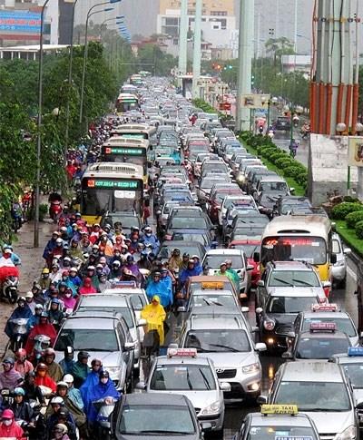 Hiện tại, đường Tố Hữu với chiều dài 2km đang gánh tận ~3 vạn dân