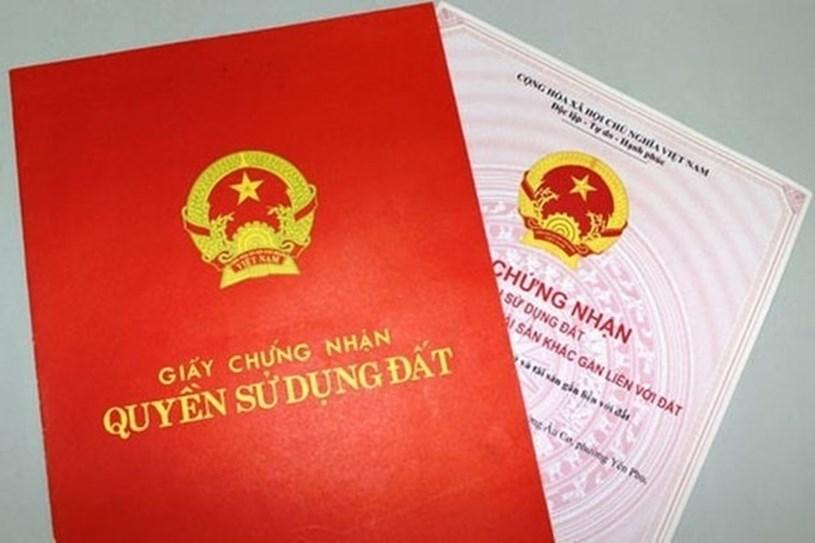 Có tới 13 trường hợp được cấp sổ đỏ mới khi đăng ký biến động đất đai. Ảnh: Nguyễn Hà